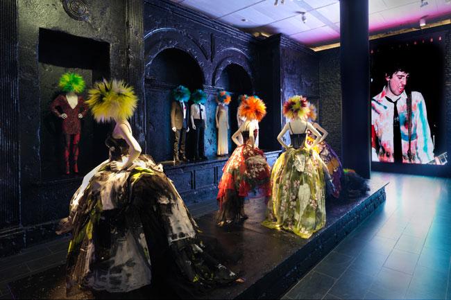 met-punk-intro, new york city, the met, johnny rotten, punk, punk music, new york city, fashion, do it yourself, costume institute, metropolitan museum of art,
